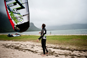 Kitesurfing or better to say<br/>car sitting in Mauritius